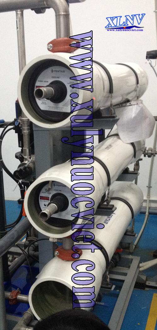 Lắp đặt màng RO cho hệ thống xử lý nước tinh khiết của công ty sản xuất khăn lạnh